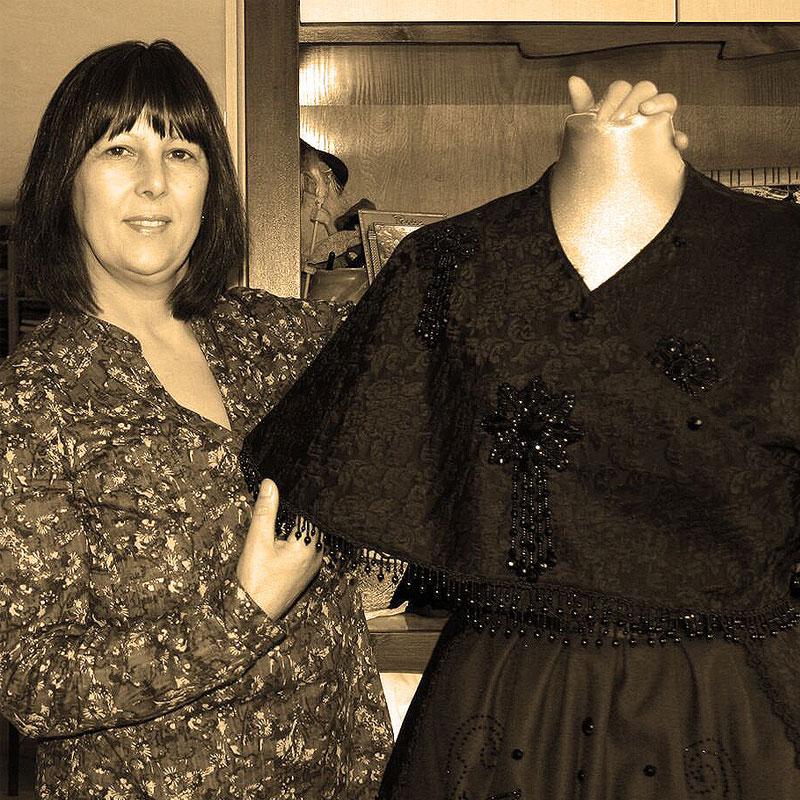 Carmen López - traxe tradicional galego